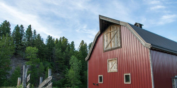 grayling_creek_construction_barn_2